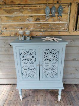 kastje houtsnijwerk